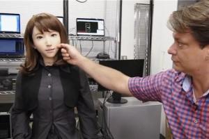 日本推出女友机器人,可定制性格功能齐全,一上市就遭疯抢