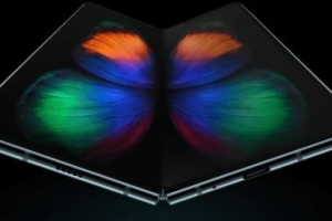 三星Galaxy Fold折叠屏手机发布:骁龙855+12GB内存,价格令人咋舌