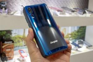 全球最大电池容量的手机亮相:内置18000mAh超大电池,待机50天!