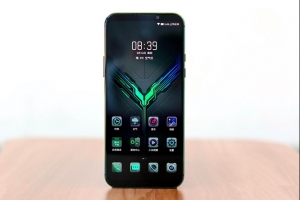 黑鲨游戏手机2发布:搭载骁龙855处理器 售价3199元起