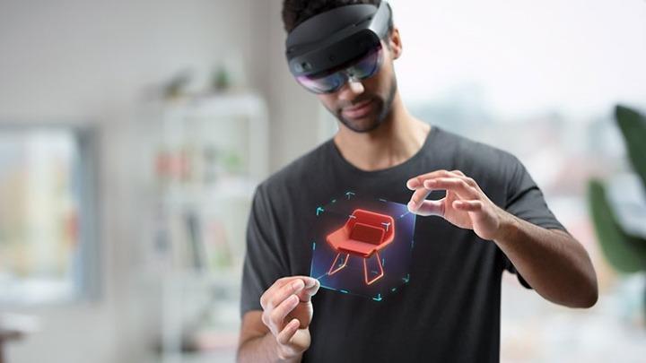 微软HoloLens 2正式开始出货,面向企业为主